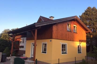 Nette Haushälfte mit eigener Terrasse und Garten zu vermieten