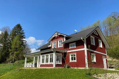 """RESERVIERT - """"Midsommar"""" im stilvollen Schwedenhaus – Lebensgefühl auf 165m2 mit 6 Zimmern und Veranda"""