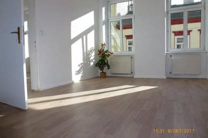 Sonnige, helle 70m² - 3 Zimmer - Altbauwohnung - WG geeignet