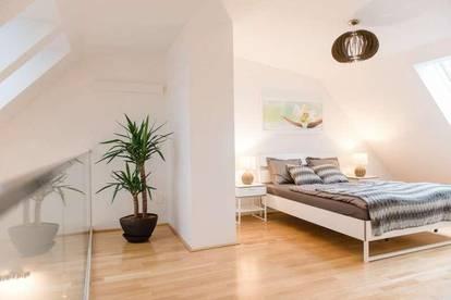 Helle Dachgeschoss Maisonette-Wohnung mit Balkon