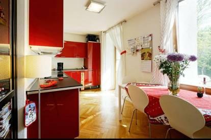 Schöne und helle Wohnung mit Galerie