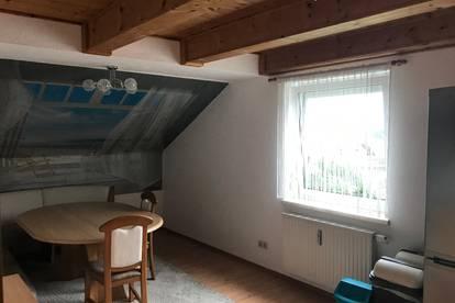 Dachgeschosswohnung zu vermieten