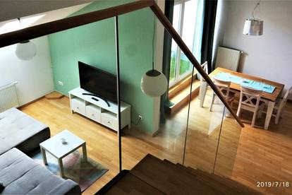 Zwischenmiete, 1 bis 6 Monaten, Vollmöbliert 117m2 DG Wohnung, 100 meter von Schottentor, hiter dem Hilton Hotel
