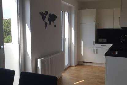 Suche NachmieterIn für helle NEUWERTIGE 2 Zimmer-Wohnung inkl. Tiefgaragenparkplatz