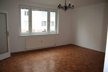 Provisionsfrei - Helle 2-Zimmer-Wohnung in zentraler Lage