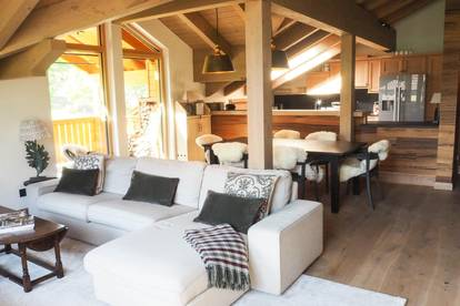 A very rare opportunity to purchase a luxury ski-in/ski-out penthouse apartment in the fashionable Hochkönig ski region.