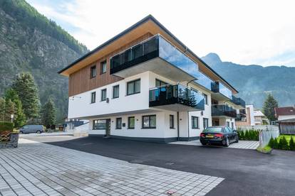 The A CASA Elegance apartments offer the perfect living space all with a great view of the Ötztal mountains.