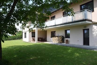 Mietwohnung in Zweifamilienhaus in grüner, ruhiger Lage mit Gartenzugang (Gatteredersiedlung)