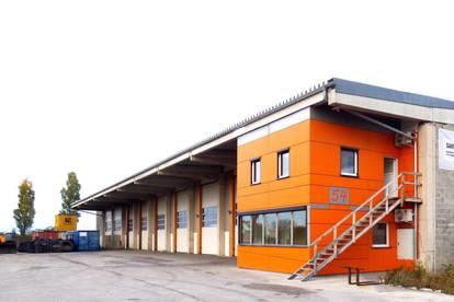 Lagerhalle  6m hoch , große Einfahrtstore, asphaltierte Freiflächen