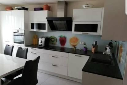 Familienglück- Einfamilienhaus +Wohnung