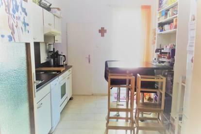 3 Zimmer, 95 m² in hervorragender ruhiger Innenstadtlage mit Loggia und Garage