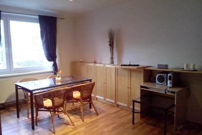 NachmieterIn für schöne 2-Zimmer Wohnung gesucht!
