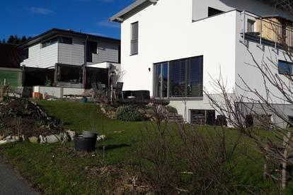 Mitbewohner/in in Haus / Obertrum mit Garten gesucht