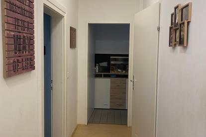 Schön anliegende 1 Zimmer Gemeindewohnung mit neuer Einbauküche