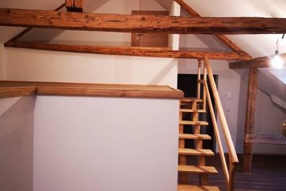 Traumhafte 4-Zimmer-Dachgeschosswohnung in Grenznähe (Provisionsfrei)