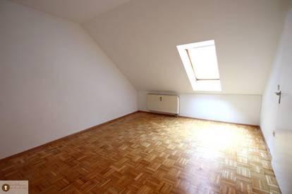 2 Zimmer Dachgeschoss Wohnung in der Griesgasse !