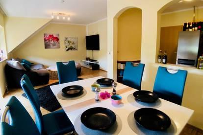 Sehr schöne 3 Zimmer Wohnung mit Schlossblick