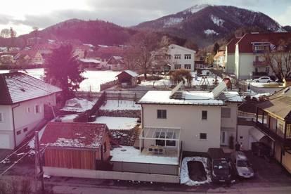 (Reserviert) Familientraum: Traumhafter Bergblick mit sonniger Terrasse.