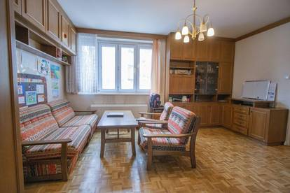 Renovierungsbedürftige Singlewohnung in ruhiger Lage!