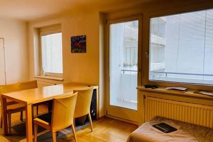 Ruhige Wohnung mit Loggia in bester Lage