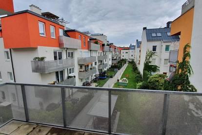PRIVAT!!! – Sonnige 3 Zimmer Wohnung mit 2 Balkonen und Garagenplatz