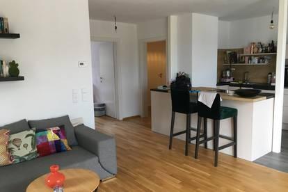 Dort wohnen wo andere Urlaub machen / Schöne helle 4 - Zimmer Wohnung