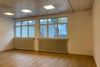 neu renovierte Büros/ Ordinationen in verschiedenen Größen zu vermieten im Zentrum von Wels