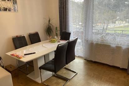 Helle 4-Zimmer Wohnung mit Balkon
