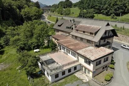 Geräumiges Gewerbeobjekt mit Gaststätte und Hotellerie in naturnaher Ruhelage