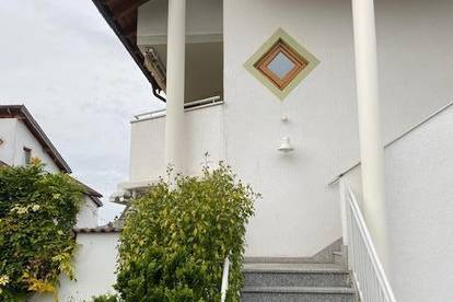 3-Zimmer-Wohnung + Balkon + Gartenanteil + TG