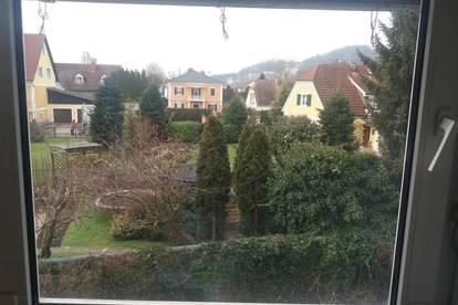 Gemütlich/ Stadtrandlage/ Gartenblick