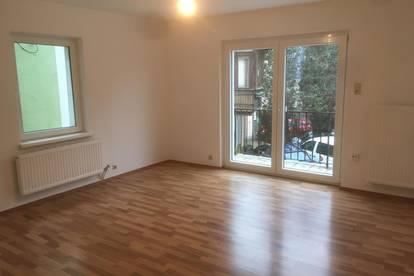 3-Zimmer Wohnung/ -Büro in ruhiger, zentrumsnahen Lage