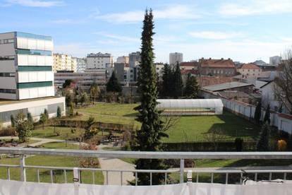 Vermiete 2-Zimmerwohnung mit Balkon und toller Aussichtslage