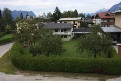 Einfamilienhaus (ca. 206 m² Wohnnutzfläche) mit Balkon, Terrasse, großer Garten, Carport und Garage für 2 Autos