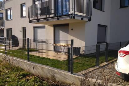 RESERVIERT BITTE NICHT ANFRAGEN Garten Wohnung mit Stellplatz