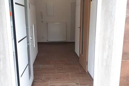 !Provisionsfrei! Günstige kleine Wohnung zu Vermieten!
