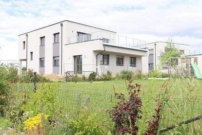 Neubau mit Urlaubsfeeling- Erstbezug mit Terrasse und Garten am Privatsee! - PROVISIONSFREI OHNE MAKLER