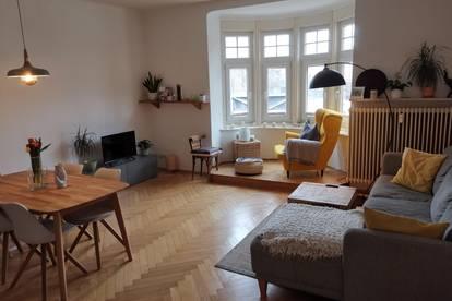 Schönes Zimmer in großzügiger Wohnung zu vermieten