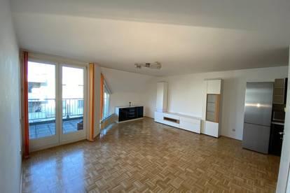 Stammersdorf - gepflegte 2 Zimmer Maisonette (zweistöckige Wohnung) mit Terrasse in kleinem Wohnhaus mit Lift in Ruhelage - Bj 1996 - Provisionsfrei!