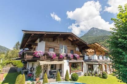 Gepflegtes Mehrfamilienhaus in idyllischer Lage am Fuße der Loferer Steinberge