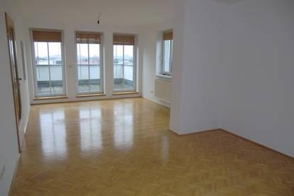 Schöne Wohnung mit Penthouse-Charakter; 77m² Hohenzeller Straße; Ried Im Innkreis