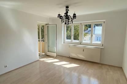 Riedenburg: Sonnige 2,5-Zimmer Loggia-Wohnung mit Wohnküche am Neutor