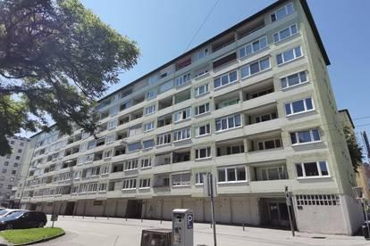 Perfekte WG-Wohnung oder auch optimal für Familien mit urbanem Lebensstil. Sehr gute Infrastruktur bei zentraler Lage!