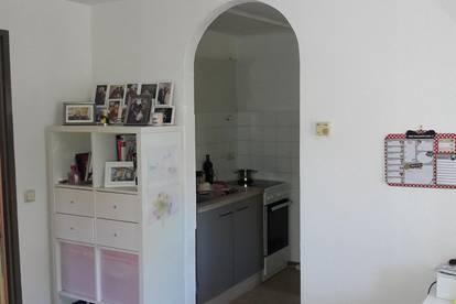 Kleine sonnige Wohnung