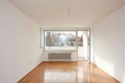 Zentrale 3-Zimmer-Wohnung mit Balkon & Loggia