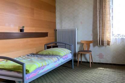 Arbeiterzimmer im Zentrum der Bezirkshauptstadt Braunau am Inn