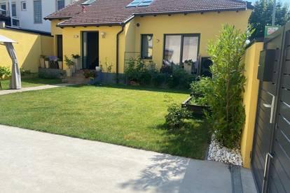 Modern renoviertes Zweifamilienhaus mit 4 Wohnungen
