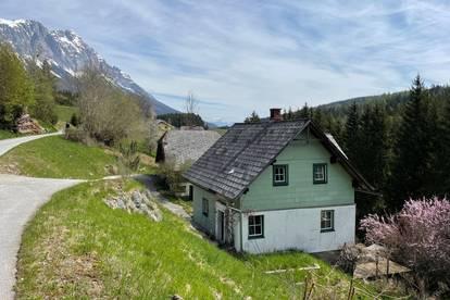 Wohn/ Ferienhaus in den Alpen mit 2 Gebäuden erweiterbar, sonnige Südlage, eigenes Quwellwasser 12500 m2