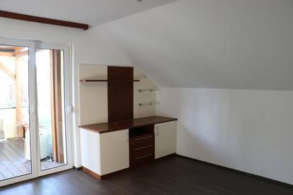 Dachgeschoß- Wohnung mit Dachterrasse in Zillingtal