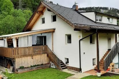 Einfamilienhaus mit Einliegerwohnung auf viel Grund